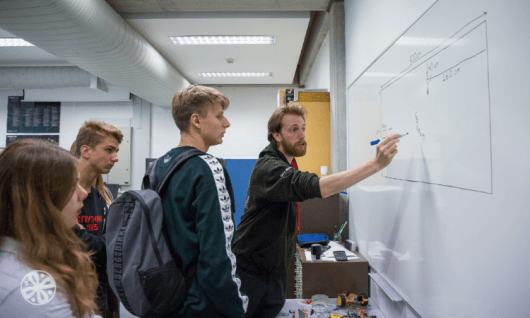 "Emerald (Trinity College) - Курс ""Программирование + математика/инженерия"" Фото 1"