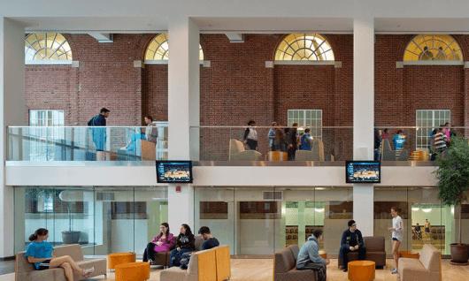 Adelphi UniversityФото8
